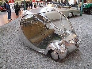 Paul Arzens - Paul Arzens: Oeuf, 125 ccm, 80 km/h, that he designed and built in 1942, a sphere of plexiglas mounted on aluminum; L'Œuf électrique (The electric egg)
