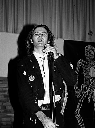 Paul McDermott - McDermott performing with the Doug Anthony All Stars in 1994.