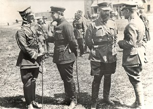Kiev Offensive (1920) - Polish General Listowski (left) and exiled Ukrainian leader Symon Petlura (second from left) following Petlura's alliance with the Poles