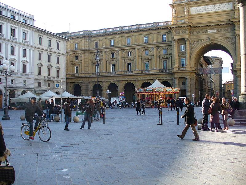 Piazza della Repubblica in Florence 33