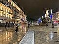 Place de la Comédie (Montpellier) de nuit en juin 2019.jpg