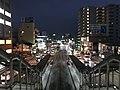 Platforms of Shin-Suizenji-Ekimae Station from overpass of Shin-Suizenji Station at night.jpg