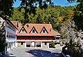 Platres Kloster Trooditissa Vorhof 3.jpg