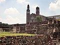 Plaza de las Tres Culturas en Tlatelolco.jpg