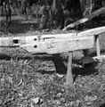 """Plug """"drvu"""" s spodnje strani. Na plazu dobro vidna luknja za šrauf, Gornji Križ 1957.jpg"""