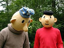 3a1a6e081890 Jiříkovského pohádkového lesa (2008). Původní postavy ze seriálu jsou ale  jiné  Pat má žluté triko a modrou rádiovku a Mat má červené triko.