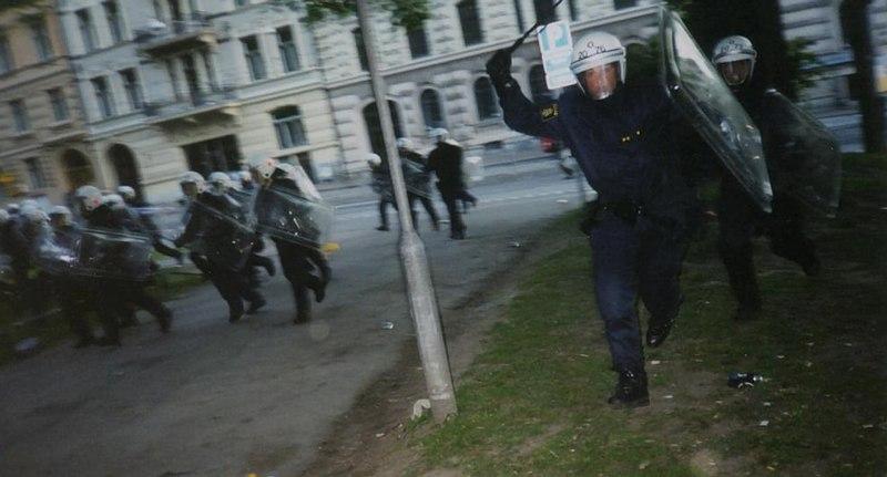 File:Polisattack.jpg