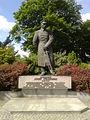 Pomnik Józefa Piłsudskiego na Placu Rapackiego w Toruniu.jpg