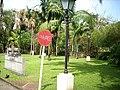 Praça em frente ao grande hotel - panoramio.jpg