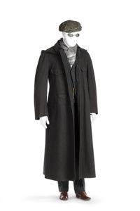 ROCK (regn-) med kapuschong Av mörkgrått ylletyg, med svarta hornknappar - Hallwylska museet - 89134.tif