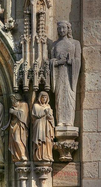 File:Rathausturm Köln - Theophanu (0822-24).jpg