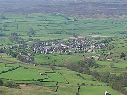 Reeth from Fremington Edge.jpg