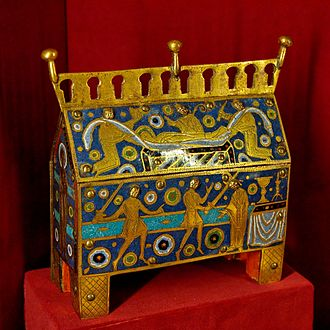 Chasse (casket) - Chasse with Thomas Becket's murder below, and burial above.