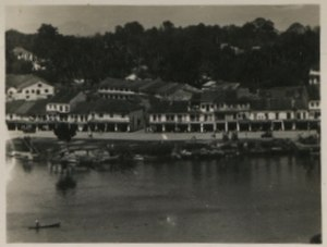 Chinatown, Kuching - River embankment and Kuching Main Bazaar between 1900 and 1930.