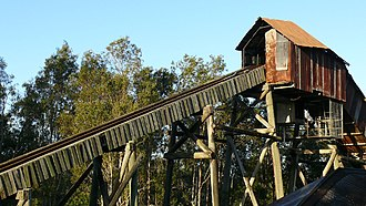 Rocky Hollow (Dreamworld) - Rocky Hollow Log Ride's second and final drop