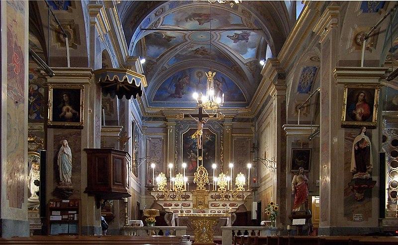 File:Roquebrune Church inside.JPG