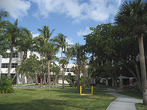 Rosenstiel School of Marine and Atmospheric Science - Rosenstiel School of Marine and Atmospheric Science's courtyard, with the Grosvenor Building on the left.