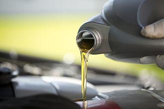 Motor oil - Adding motor oil