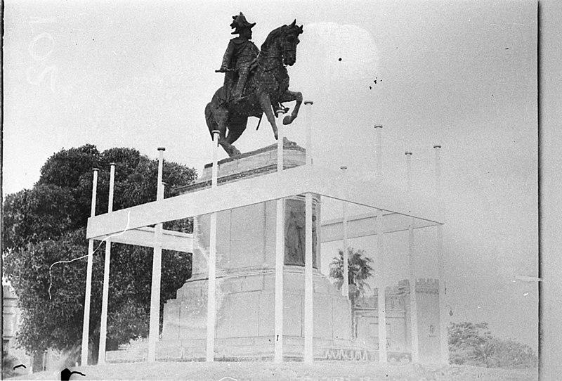 File:SLNSW 442597 Decorations equestrian Statue of Edward VII Gloucester Royal Visit 1934.jpg