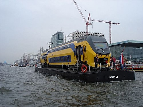 'MV Railklipper' out on the water (photo by Edwtie, via Wikimedia Commons)