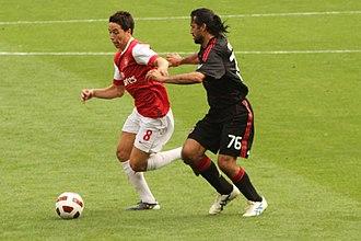 Mario Yepes - Yepes challenging for the ball with Arsenal's Samir Nasri.