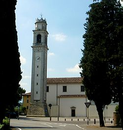 San Vendemiano, la chiesa parrocchiale.jpg
