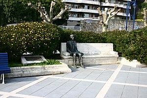 Gerardo Diego - Statue of Gerardo Diego Cendoya, in Santander