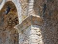 Santuario di Monte Sant'Angelo. Terrazza inferiore. Ghiera e cornice decorativa pilastri.JPG