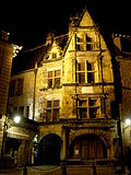 File:Sarlat-medieval-city-by-night-13.jpg