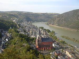 Oberwesel - Image: Schönburg Flaggenwiese