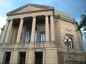 Cleveland Orchestra - Image: Severance Hall front, Cleveland, Ohio