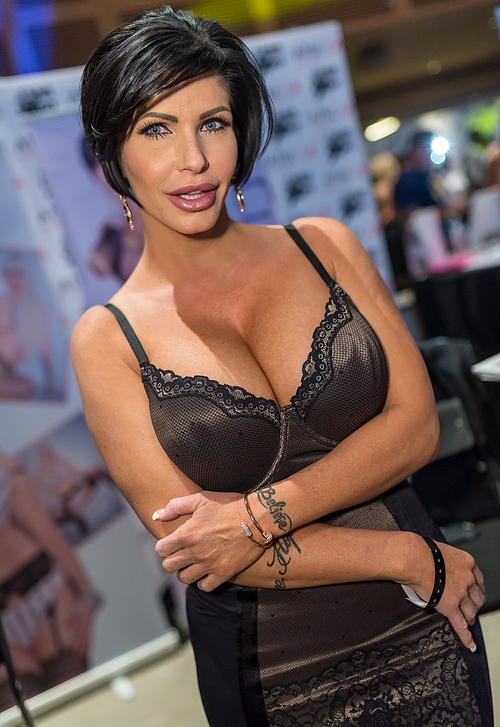 File:Shay Fox AVN Expo 2015.jpg - Wikimedia Commons
