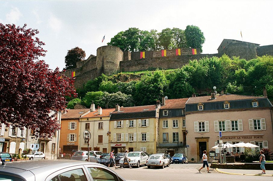 Sierck-les-Bains, the town centre and the fortress