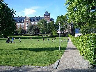 Aarhus C - Skanseparken, Frederiksbjerg. Small city parks are numerous in Aarhus C.