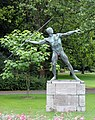 Skulptur Bundesallee 162 (Wilmd) Speerwerfer Karl Möbius 1921.jpg