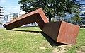 Skulptur am Neuen Rathaus in Hannover IMG 9436WI.jpg