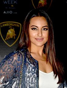 Sonakshi Lakme-Fashion-Week-2017-Day 2.jpg
