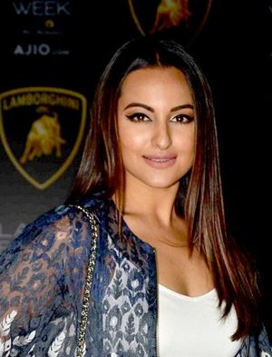 Sonakshi Sinha - Sonakshi Sinha in Lakme fashion week 2017