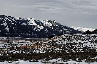 Specimen Ridge - North face Specimen Ridge from Lamar Valley
