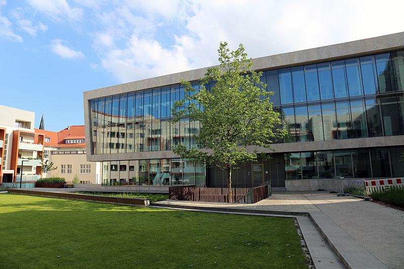 Datei:Stadtbibliothek Nordhausen, Bürgerhaus - Juni 2015.JPG