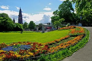 Green spaces in Freiburg - Park with view of the Karlssteg and the Munster of Freiburg