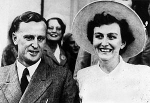 Joh Bjelke-Petersen - Joh and Flo on their wedding day (31 May 1952)