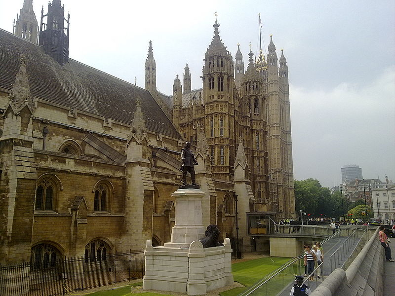 File:Statue of Oliver Cromwell outside Palace of Westminster.jpg