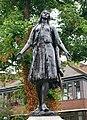 Statue of Pocahontas in Gravesend.jpg