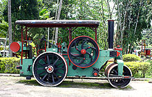 Steam-powered roller at Highway museum complex.JPG