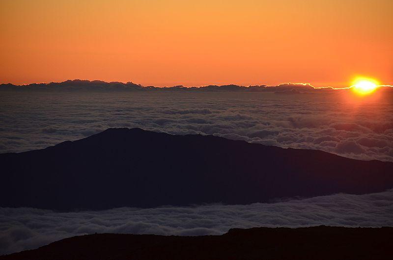 File:Sunset at Mauna Kea - panoramio.jpg