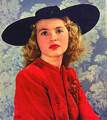 Susanna Foster 1943.JPG