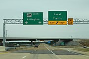 TN385 North - Local Traffic Exit Signs (29766698037).jpg