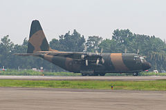 TNI-AU Lockheed KC-130B Hercules (L-282) no Aeroporto Medan Polonia.jpg