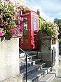 Telephone box, Glastonbury - geograph.org.uk - 1564880.jpg